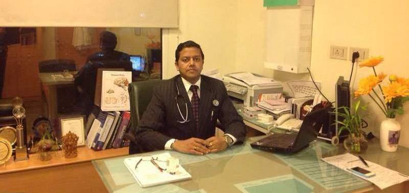 Др Пунит Агарвал врач нейрохирург по поводу инсульта мозга в Индии